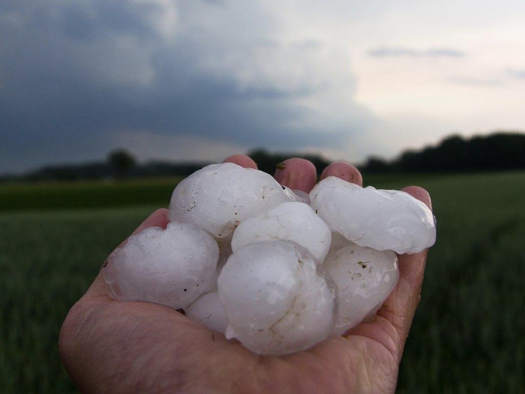 roof hail damage st louis mo